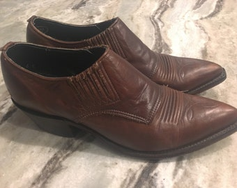 Cowboy boots/ cowboy ankle boots/ leather brown boots/ cowgirl boots/ ankle leather boots/ pointy boots/ nocona boots/ brown leather booties