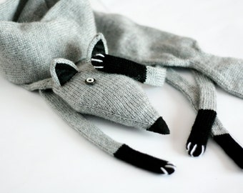Grey knitted Fox scarf in high quality italian alpaca blend yarn