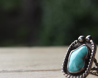 Vintage Sterling and Turquoise Ring with Rope and Ball Design