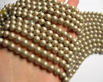 Pearl - 8 mm round - Satin matte  Pearl  - Golden beige - 1 full strand - 49 beads - SPT26 - Shell pearl