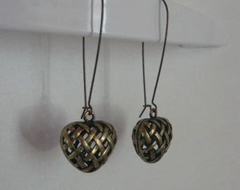 Bronze heart earring worked 3D