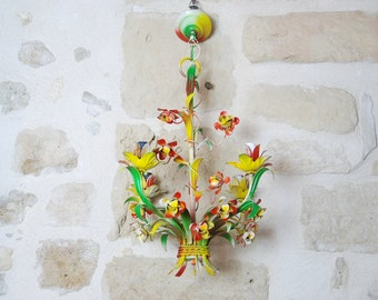 Vintage Italian tole chandelier, flowers and leaves in with bright colours. Fun chandelier for your conservatory or hallway.