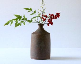 Pottery Unglazed Wibi-Sabi Vase, Ceramic Stoneware Bud Vase