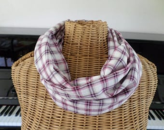 snood in shades of pink and purple Plaid