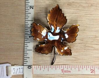 Vintage Gold Toned Amber Enamel Maple Leaf Pin Brooch Used
