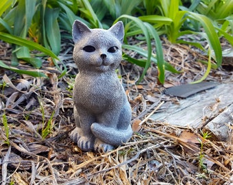 Cat Statue, Cat Memorial, Small Cat Figure, Concrete Cat Garden Statue,  Garden