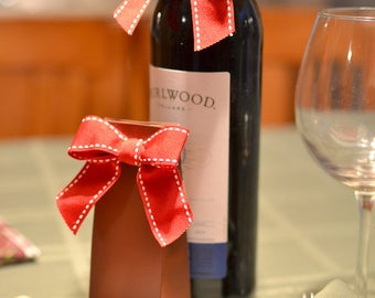 Christmas Wine Gift Bows, Holiday Business Gifts Wine Bottle Bows, Christmas Wine Bottle Decorations Toppers, (Pack of 25) Ready to Use