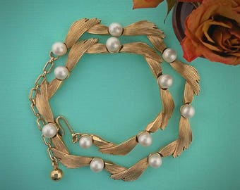 Trifari vintage gold choker with pearls Wedding jewelry for brides Adjustable wedding necklace Anniversary jewelry for wife