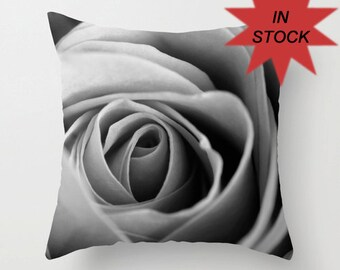 18x18 Rose Pillow Cover, Romantic Bedroom Decor, Decorative Throw Cushion, Black and White Floral, Handmade in Canada, Valentine's Day Gift