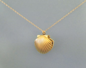 Mermaid, Shell, Locket, Photo, Gold, Necklace, Seashell, Shell, Ariel, Necklace, Birthday, Best friends, Mom, Sister, Gift, Jewelry