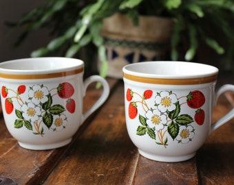 Set of 2 Sheffield Strawberries N' Cream Stoneware Collection Mugs (1970s) - Vintage Mugs