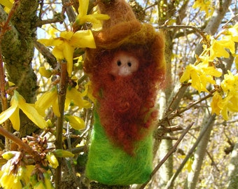 Conker Gnome - Needle Felted Gnome for your Autumn Season Decorations or Fairy garden - Waldorf Style