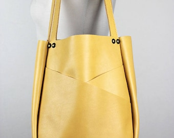 Beige Leather Shoulder Bag/Beige Leather Tote Bag/Large Leather Carry All with Exterior Pockets – SMaroBeige