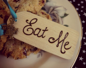 Wooden Alice in Wonderland Eat me tag
