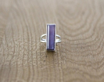Purple Chalcedony and sterling silver ring. Size 7.