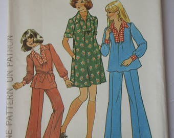 Girls Bellbottom Pants Pattern, Vintage Sewing Patterns from 1970s girls dress /tunic, top, pants, bell bottoms, UNCUT Simplicity 7105