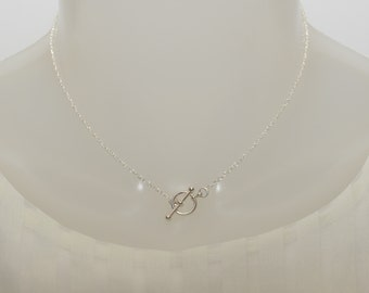 Toggle necklace. Silver toggle necklace. Simple toggle necklace