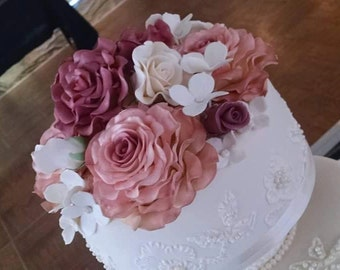 "5 Edible ROSES (one 5"", two 3 1/2"", one 2 1/2"", one 1 1/2"") Cake decoration / Edible sugar flower / wedding cake decoration / any color]"