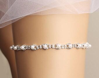 wedding garter, bridal garter, pearl garter, beads garter, toss garter, bridal accessories, rhinestone garter, diamond garter, silver garter