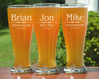 Groomsmen Gift, 5 Personalized Beer Glasses, Custom Engraved Pilsner Glass, Wedding Party Gifts, Gifts for Groomsmen, 16oz Glasses