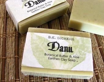 Danu - beurre de karité, aloès, lavande, Rose et Eucalyptus Français vert argile savon