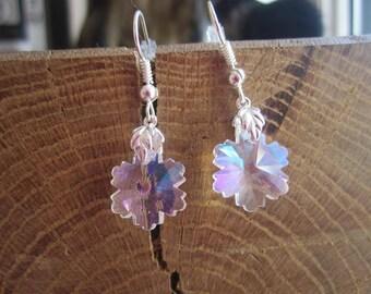 Boucles d'oreilles percées pendantes flocons cristal de swarovski transparent brillant bélière feuille argent -Christmas Time- Antre