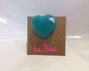 Merino wool love heart brooch (pin)