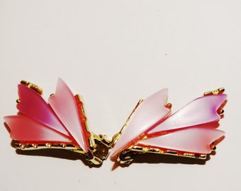 Vge 60's Gold Tone Pink Thermoset Lucite Leaf Statement Clip-On Earrings.