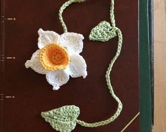 Daffodil crochet bookmark / brooch / hair clip