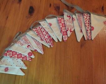Mini Christmas bunting -festive bunting - nordic - scandi - red - natural - 16 flags - 2metres - holiday - decorations - xmas -