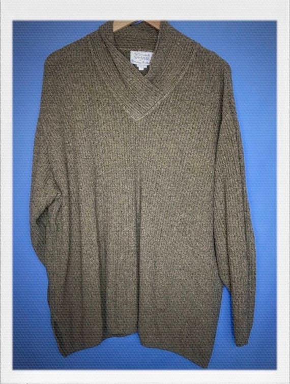 """Vintage Army Green Ribbed Sweater with Cowl Neck Size Medium 27"""" length 27"""" width"""