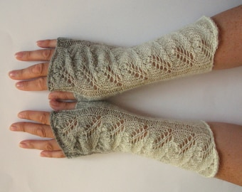 Fingerless Gloves Gray Off White wrist warmers