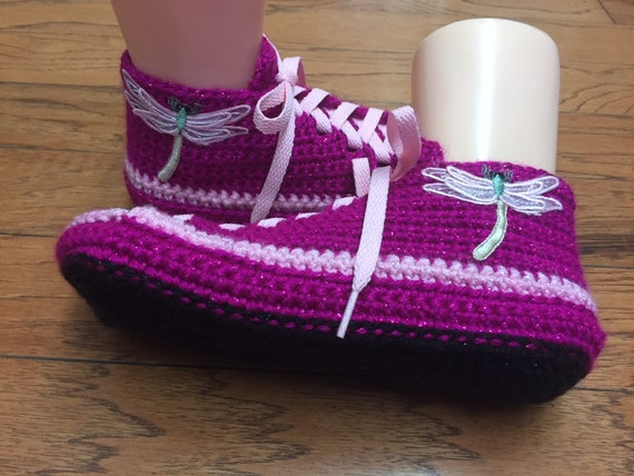 7 Crocheted crocheted Womens dragonfly dragonfly tennis shoe sneaker slippers 9 pink slippers Listing 278 shoes sneakers dragonfly slippers qpg6q