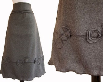 Sweater Fleece Skirt with Floral Decor