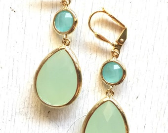 Earrings Mint and Aqua Dangle Earrings in Gold. Drop Earrings. Bridesmaids Earrings. Gift. Wedding Jewelry. Aqua Dangle Earrings. Gift.