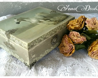 Wooden box with a totally handmade decoration