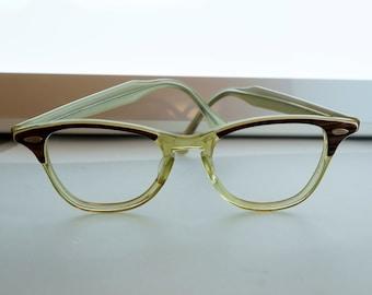 VINTAGE EYEGLASS FRAMES  - cat eye - 50s - Canadian optical No.001994 cs