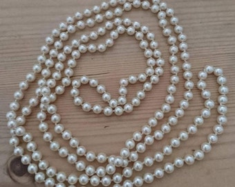Vintage flapper style glass Pearl necklace