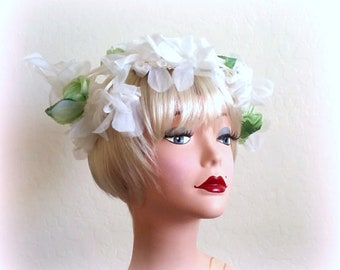 60s MISS SALLY VICTOR - Bridal Fascinator - Tendrils of White Chiffon Blooms & Pale Green Silk Flowers - Gorgeous