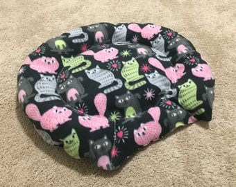 Cat Bed - Fleece - Black Kitty Pattern