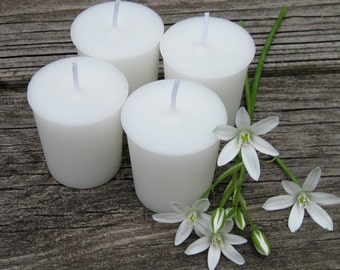 FREESIA  (4 votives or 4-oz soy jar candle)