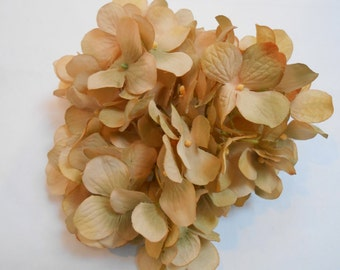 Beige Silk Hydrangea / Crafting Flowers / Artificial Flowers / Silk Flowers / Hydrangeas / Beige Flowers / Wedding Flowers / Hair Supply
