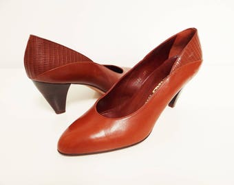 Vintage Shoes, Leather, UK 5, Spanish Shoes, Pumps, Heels, Vintage Leather, Vintage Footwear, Brown Heels, PinUp Shoes, Footwear