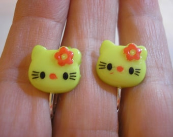 """Play Earring - Clip - Kitty - Yellow Green/w Red Flower - 5/8"""""""