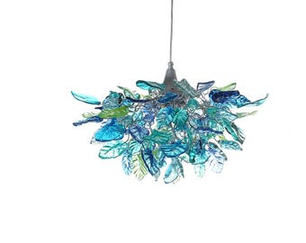 Lighting hanging chandeliers with Sea color flowers and leaves, for Dining Room, hall or bedroom.