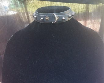 Thin Black Leather Spiked Collar