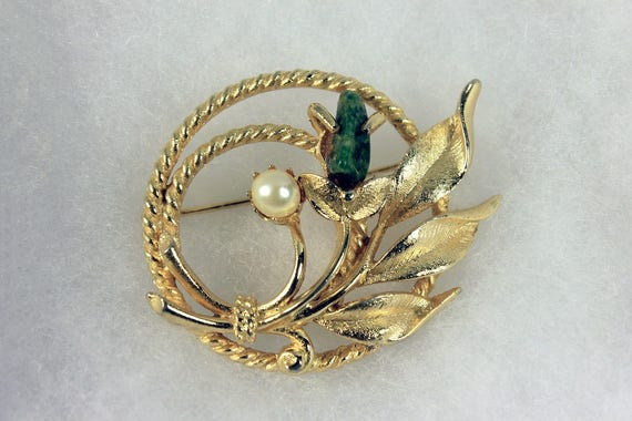 Jade Garden Brooch, Sarah Coventry, Cultured Pearl, Jade Nugget, Gold Tone, Fashion Pin, Costume Jewelry, Collectible