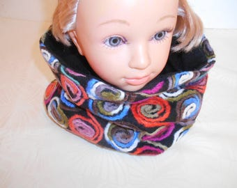 Woman wool Snood and spiral pattern fleece