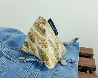 Feather Pyramid Pouch • Triangle Zip-Up Coin Purse
