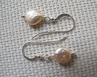 Natural White Freshwater Coin Pearl 925 Sterling Silver Dangle Earrings E37